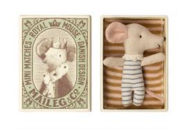 Baby Maus, schläfrig / wach in Box - Junge